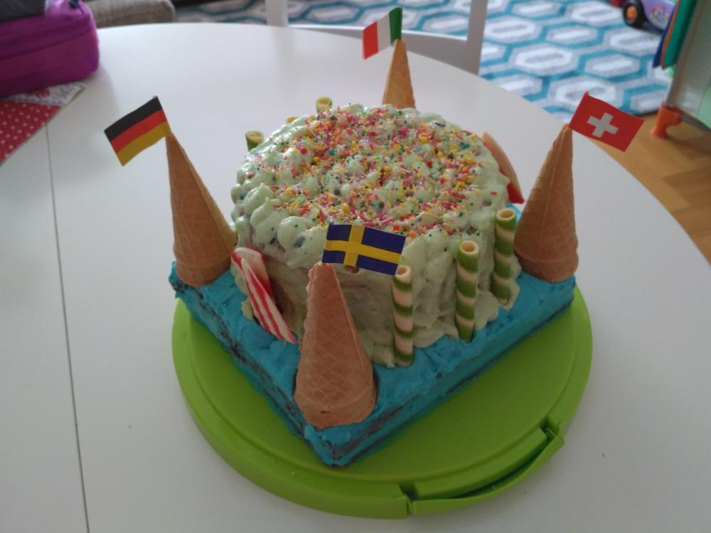 Birthday Cakes Zagreb ~ Velika torta za lukin prvi ro endan big cake for luka s first birthday delicious with dora